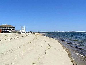 Cape Cod Holiday Rental - Walk to Beach