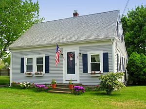 Cape Cod Holiday Rental :: Front Yard